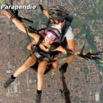 Volare con il parapendio biposto sopra Brescia.